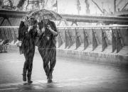 2. Monochrome: `Piger i regn`af Alex Skytte